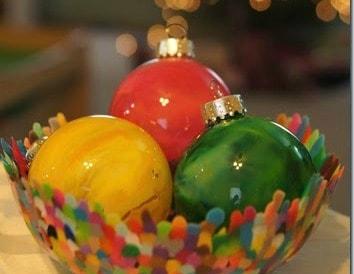 beautiful-melted-crayon-ornament-christmas-craft_thumb7
