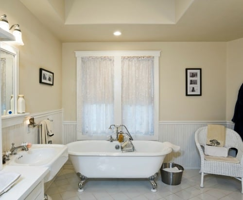 If you are on a budget and can't afford a big bathroom renovation, you can still update the look without spending a fortune. Use these easy and affordable tips to get the look you want. Great for renters and apartments!