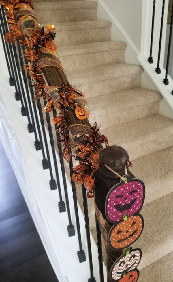 If you want to decorate for Halloween on a budget, you will want to see these 3 DIY Dollar Tree Halloween Decorations for 2019. The are so simple and easy to make, not to mention cheap! You can get the supplies at the dollar store to make these fun and cute crafts the whole family will love.